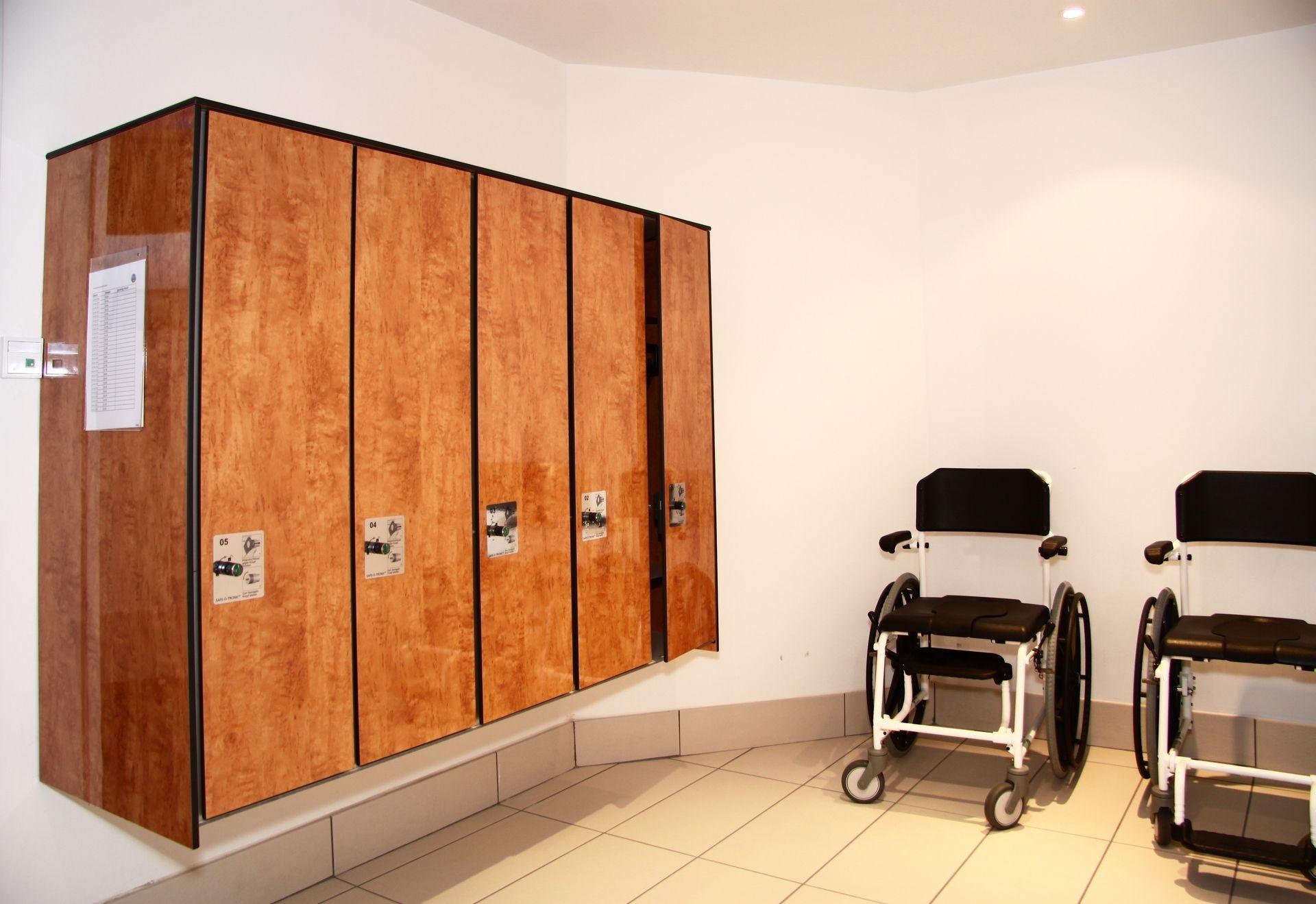 Garderobenschränke - ais-online.de