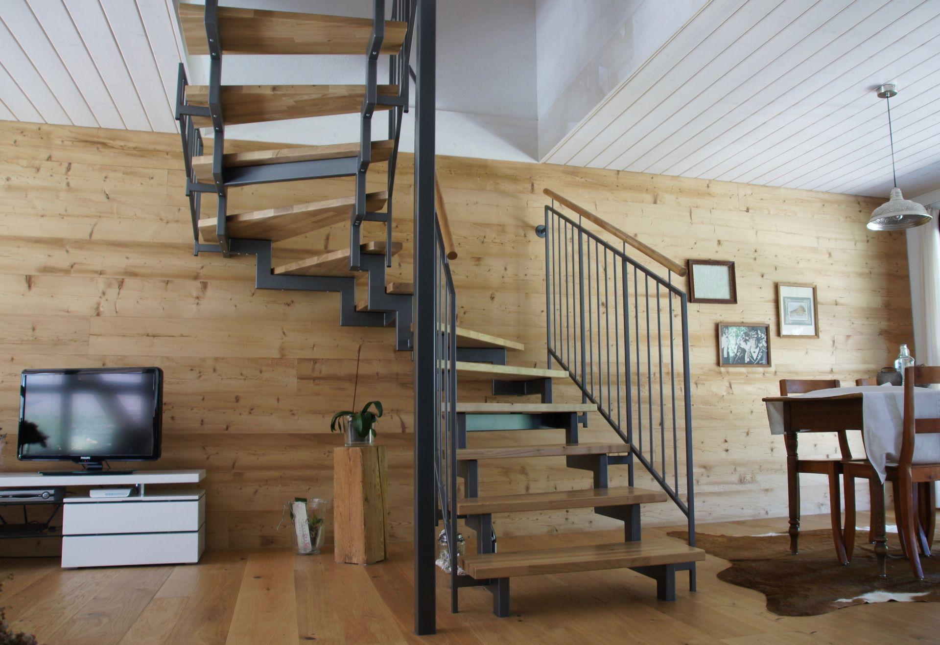 wohnhaustreppen aus holz und stahl ais. Black Bedroom Furniture Sets. Home Design Ideas