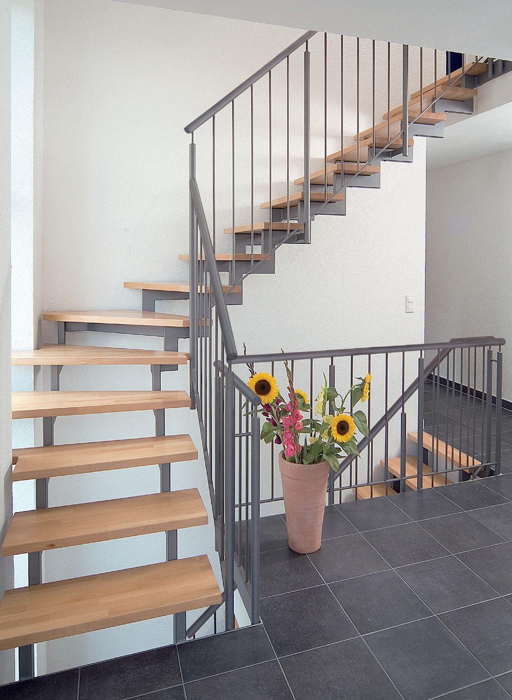 treppen aus stein holz und metall ais. Black Bedroom Furniture Sets. Home Design Ideas