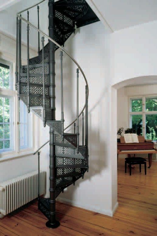 spindeltreppen aus stahl oder gusseisen ais. Black Bedroom Furniture Sets. Home Design Ideas