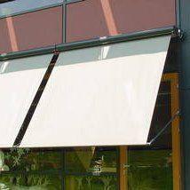 Au Enliegender Sonnenschutz Mit Fenster Und