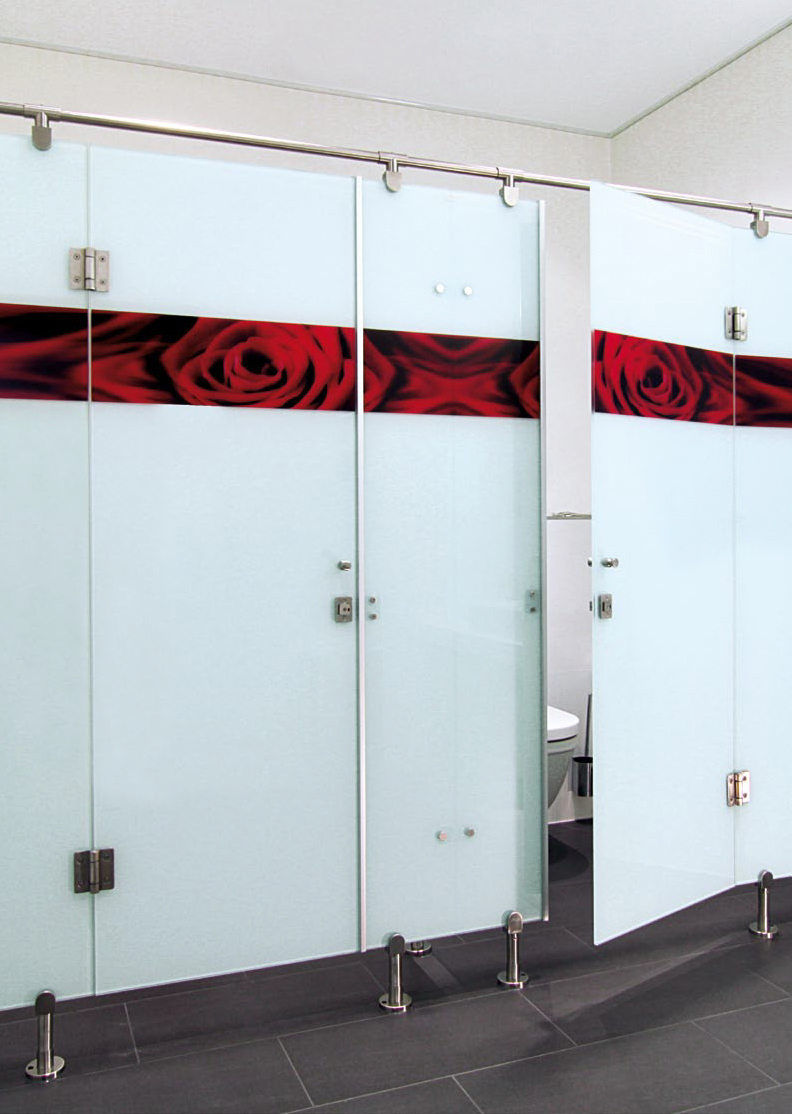 heiler glas trennwandsysteme rahmenlose wc trennw nde urinal trennw nde ais. Black Bedroom Furniture Sets. Home Design Ideas